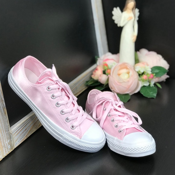 a871f62be522b6 Converse Ctas OX Satin Arctic Pink AUTHENTIC